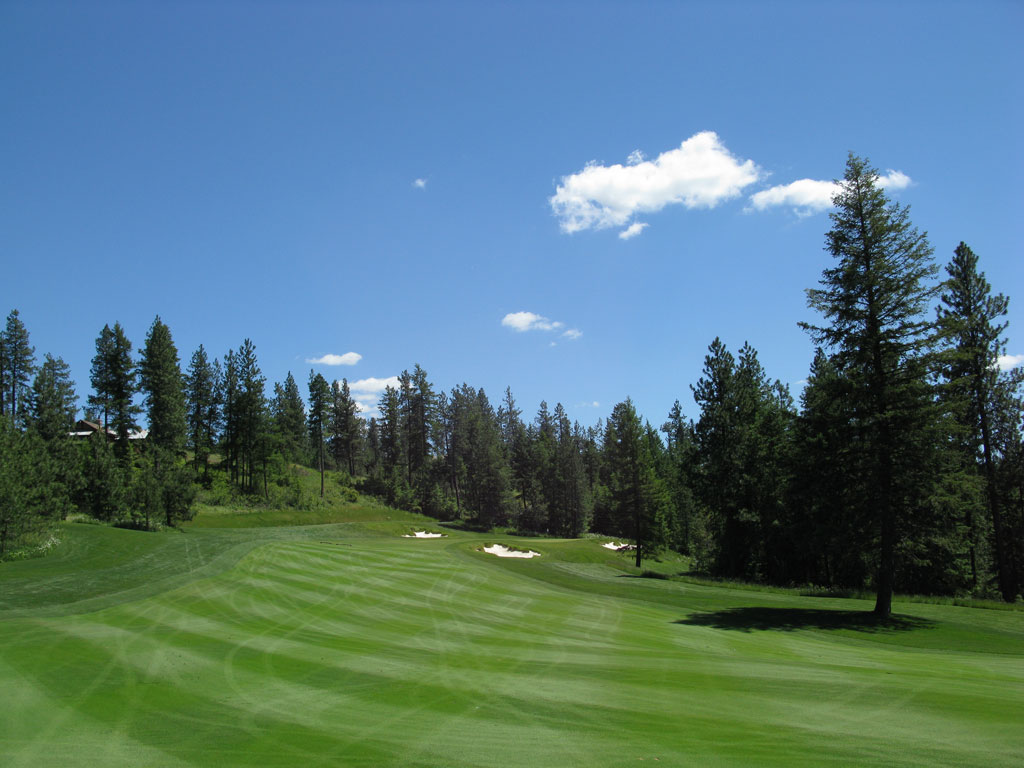 9th Hole at Gozzer Ranch Golf and Lake Club (461 Yard Par 4)