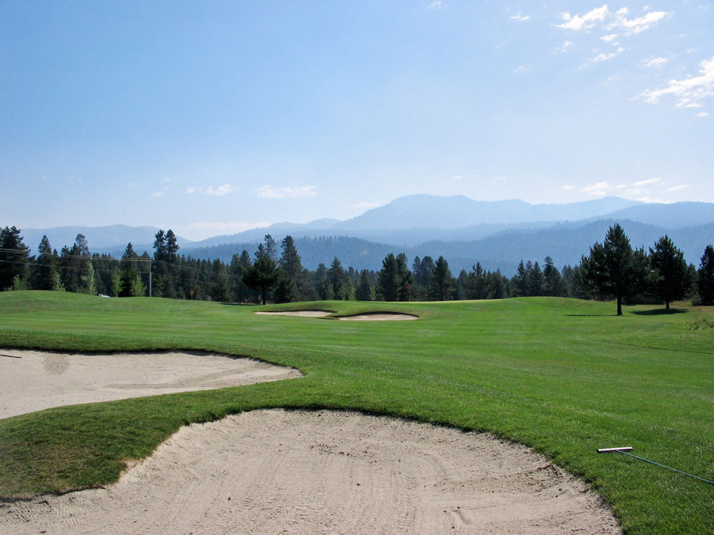 13th Hole at Jug Mountain Ranch (547 Yard Par 5)