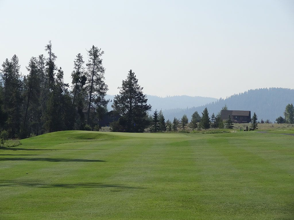 6th Hole at Jug Mountain Ranch (485 Yard Par 4)