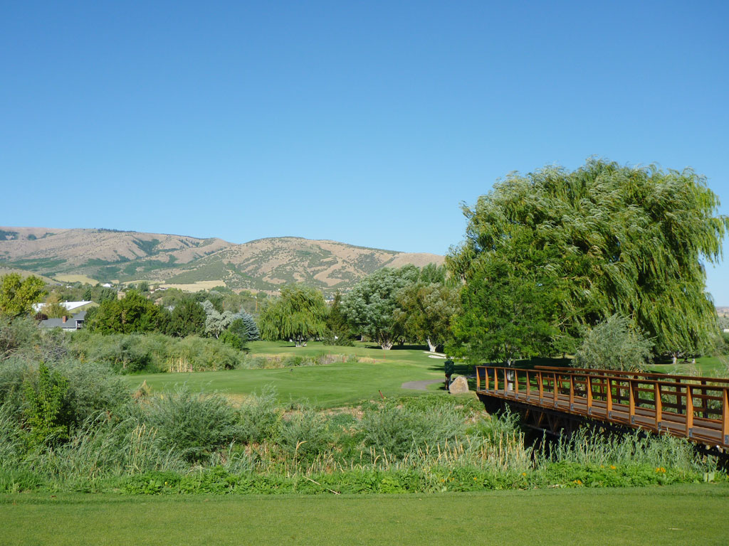 12th Hole at Juniper Hills Country Club (140 Yard Par 3)