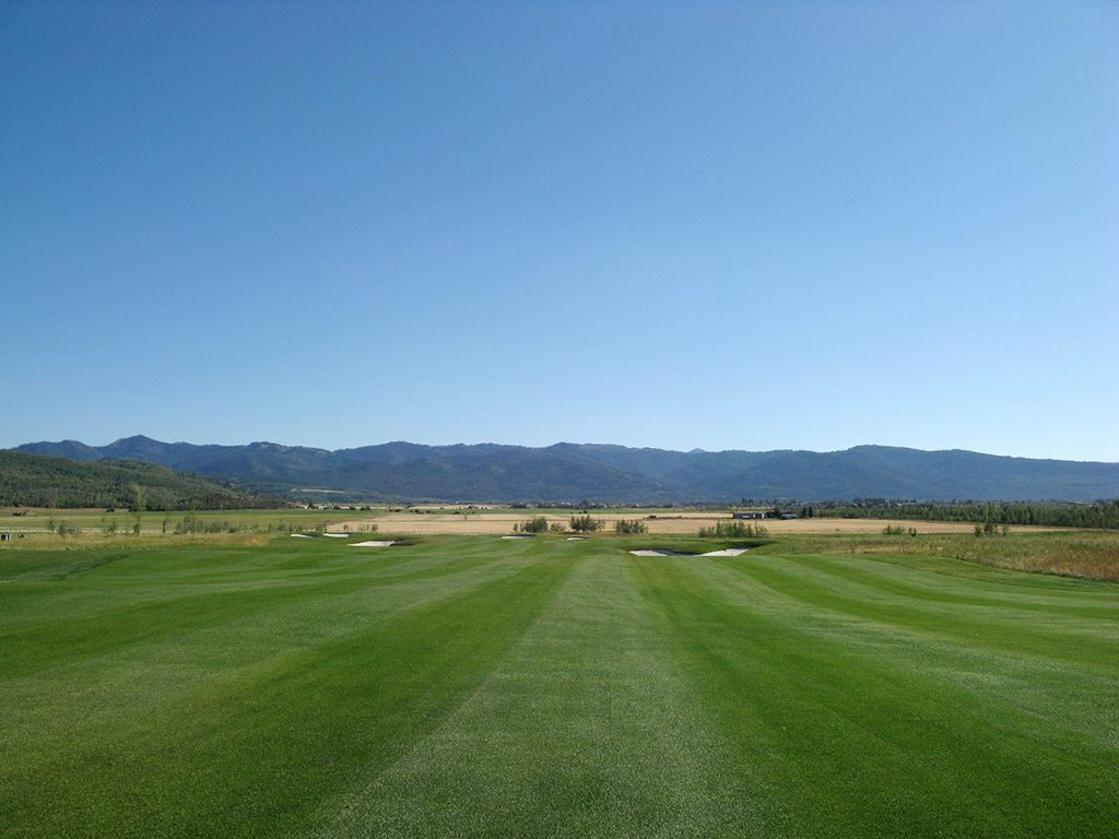 10th Hole at Teton Reserve (669 Yard Par 5)