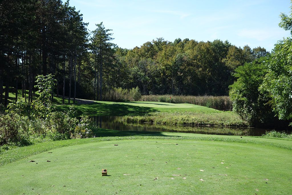 5th Hole at Bull Valley Golf Club (164 Yard Par 3)