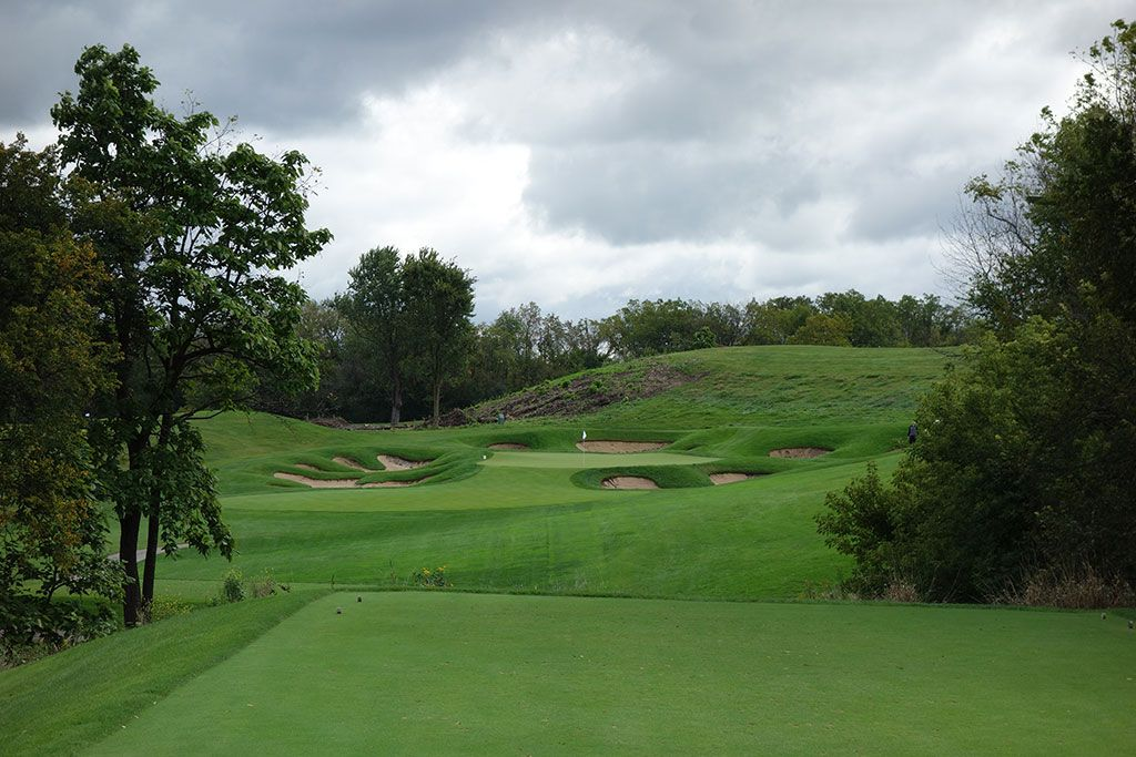 14th Hole at Cog Hill Golf and Country Club (Dubsdread) (215 Yard Par 3)