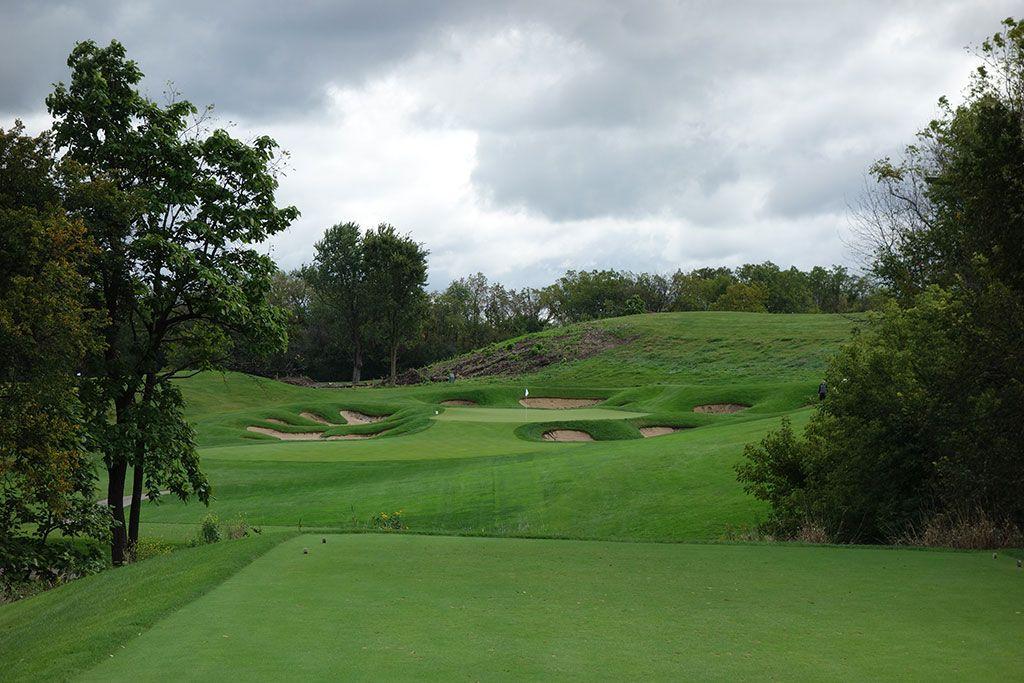 14th Hole at Cog Hill Golf and Country Club (Dubsdread) (215 Yard Par 3)