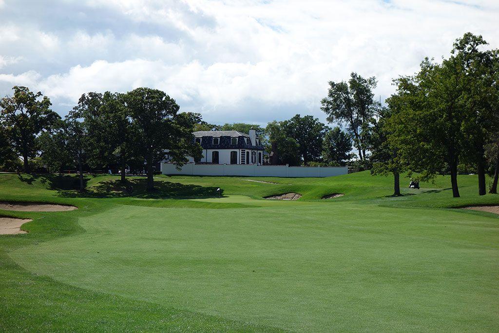 18th Hole at Cog Hill Golf and Country Club (Dubsdread) (494 Yard Par 4)