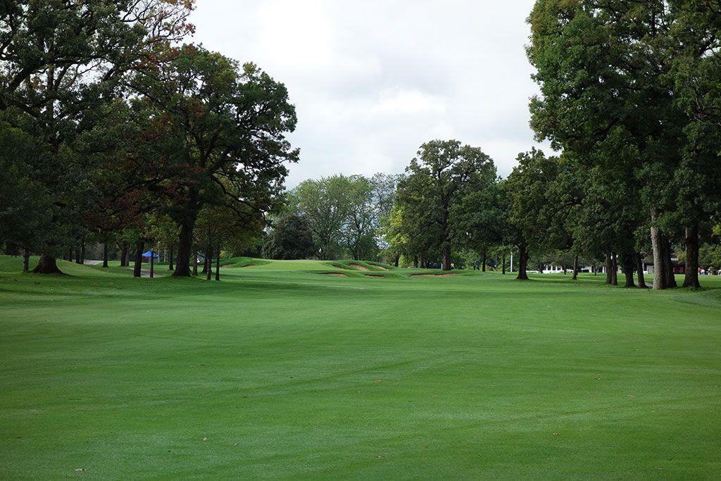 9th Hole at Cog Hill Golf and Country Club (Dubsdread) (613 Yard Par 5)