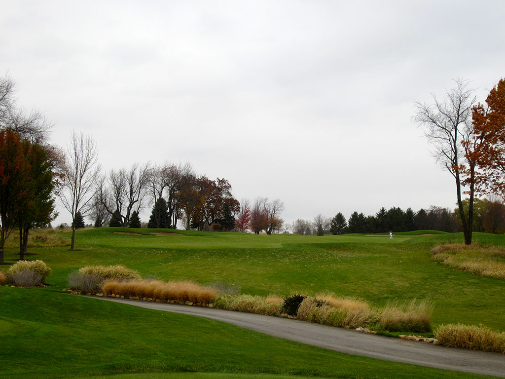 8th (The Cottage) Hole at Rich Harvest Golf Links (489 Yard Par 4)
