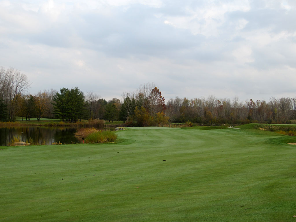 7th Hole at Rock Hollow Golf Course (429 Yard Par 4)