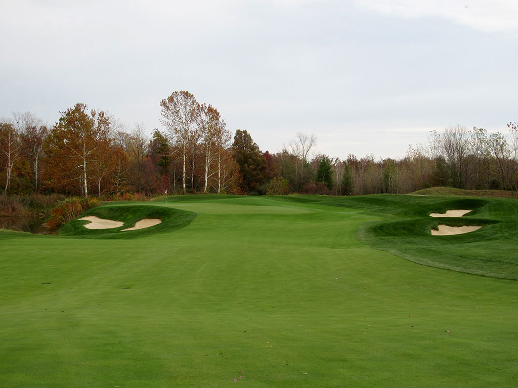 13th Hole at Victoria National (395 Yard Par 4)