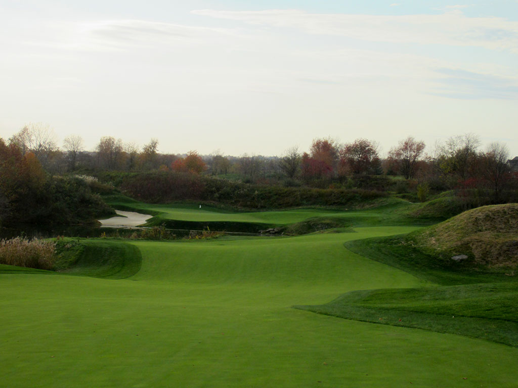 15th Hole at Victoria National (548 Yard Par 5)