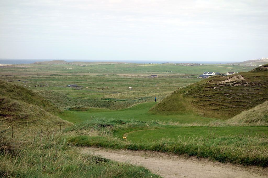 11th (Hackett) Hole at Carne Golf Links (Hackett 18 and Kilmore 9) (363 Yard Par 4)
