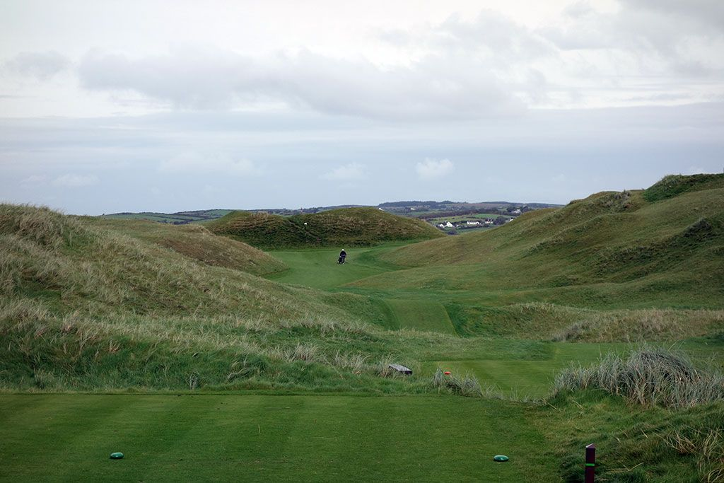 4th Hole at Lahinch Golf Club (475 Yard Par 5)