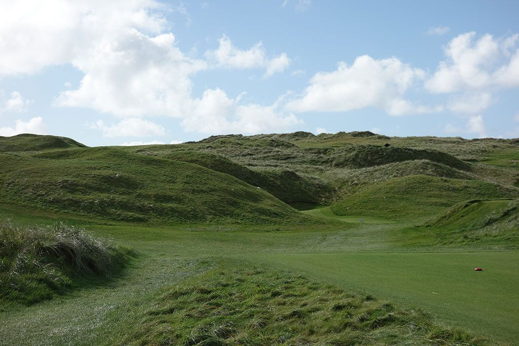 5th Hole at Lahinch Golf Club (154 Yard Par 3)