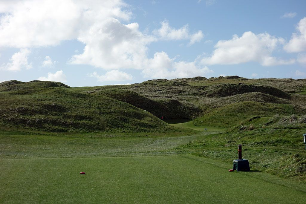 5th Hole at Lahinch Golf Club (Old) (154 Yard Par 3)