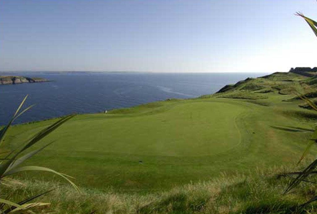7th Hole at Old Head Golf Links (192 Yard Par 3)