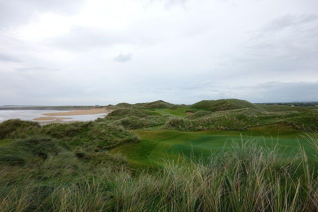6th Hole at Trump International Golf Links Doonbeg (365 Yard Par 4)
