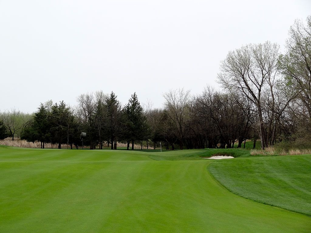 7th Hole at Flint Hills National Golf Club (439 Yard Par 4)