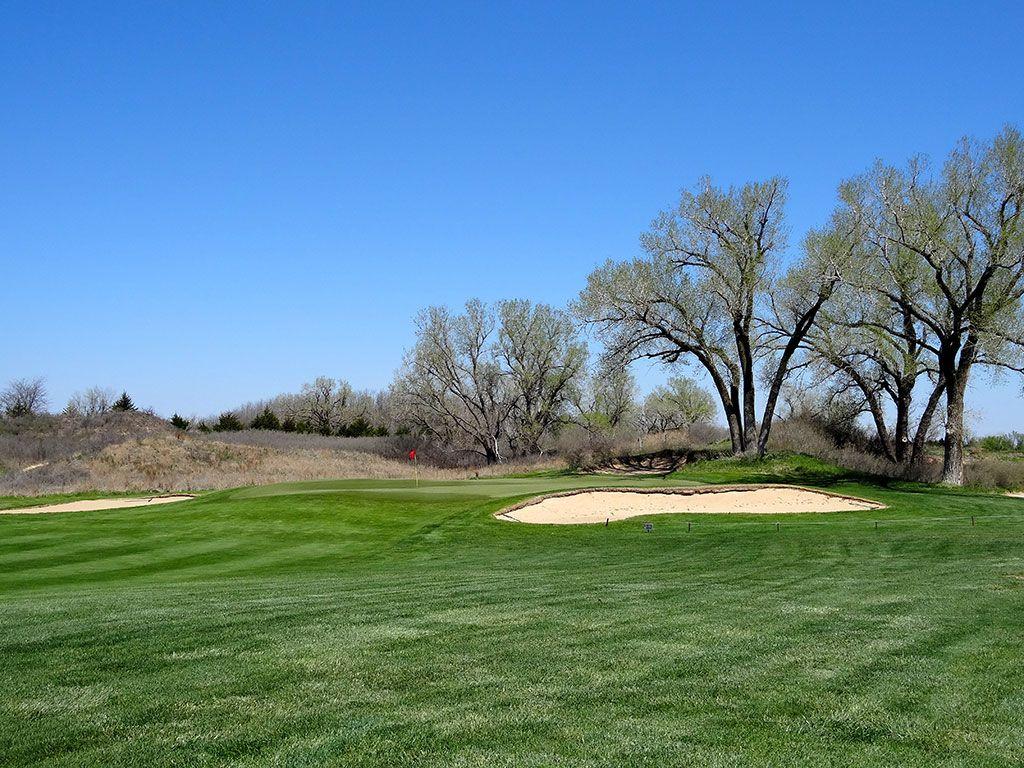 11th Hole at Prairie Dunes Country Club (472 Yard Par 4)