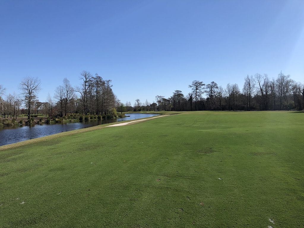 6th Hole at TPC Louisiana (454 Yard Par 4)