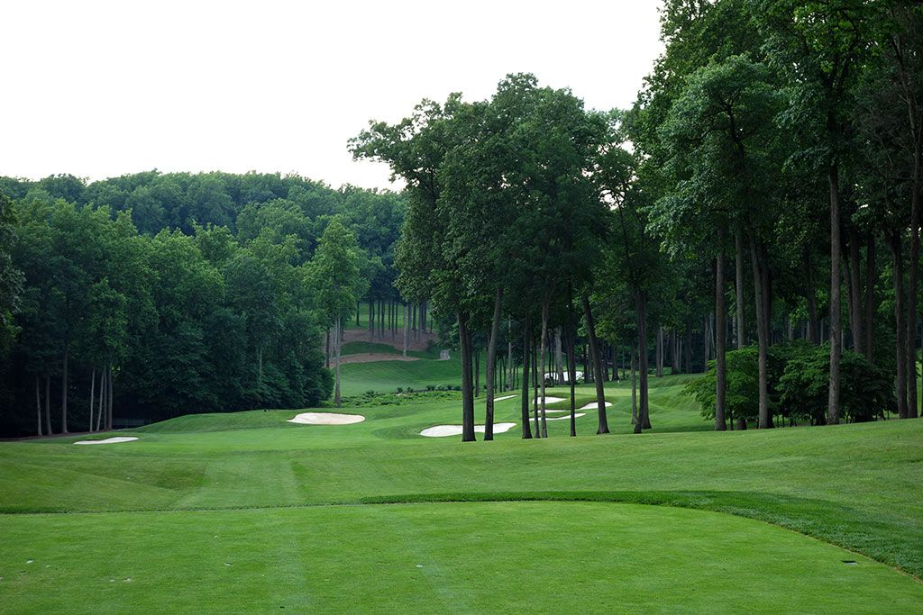 14th Hole at Caves Valley Golf Club (330 Yard Par 4)