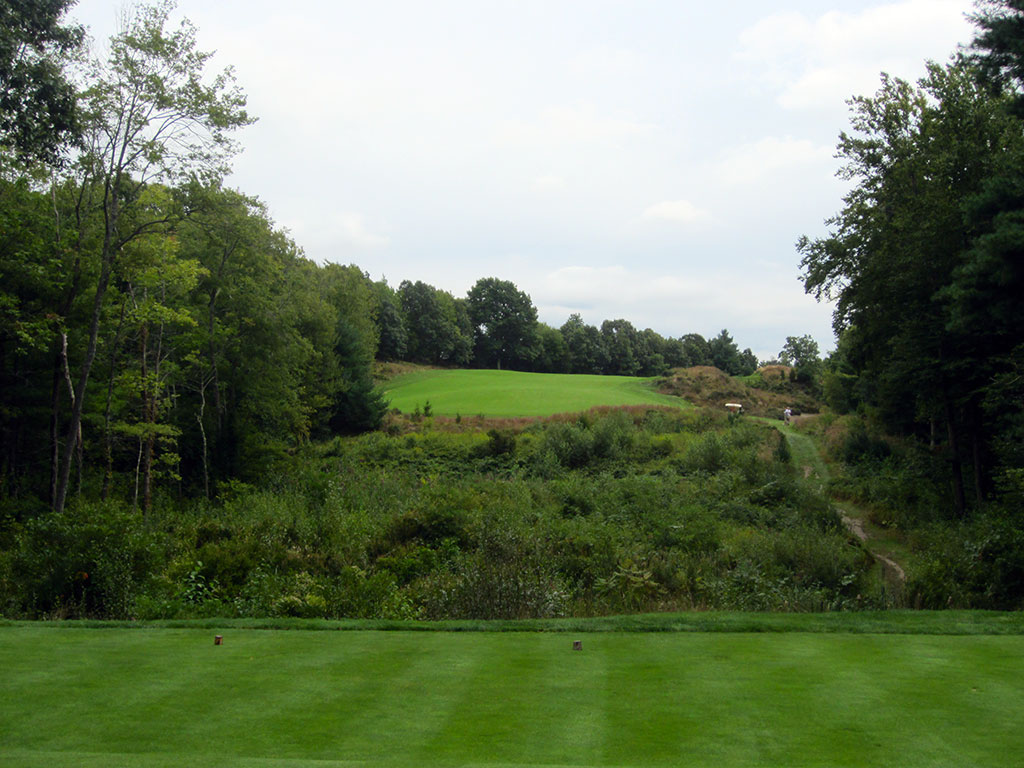5th Hole at Boston Golf Club (317 Yard Par 4)