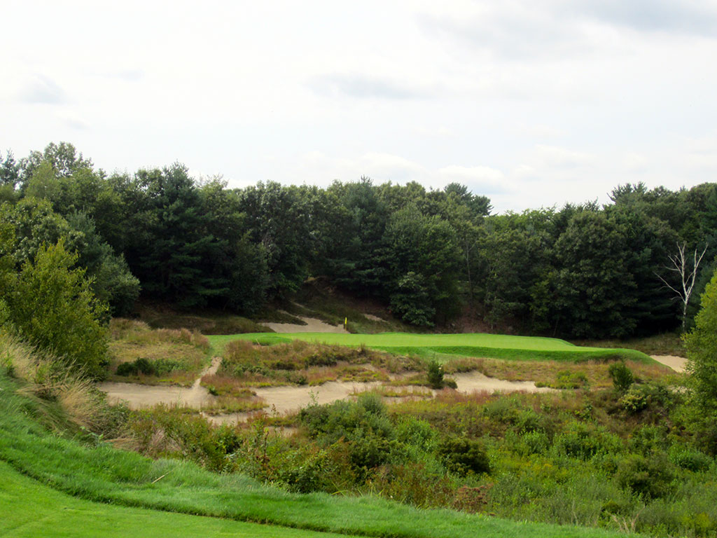 6th Hole at Boston Golf Club (159 Yard Par 3)