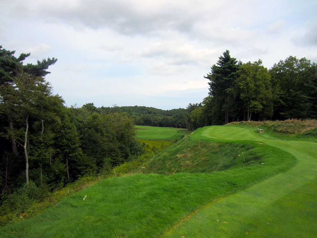 9th Hole at Boston Golf Club (466 Yard Par 4)