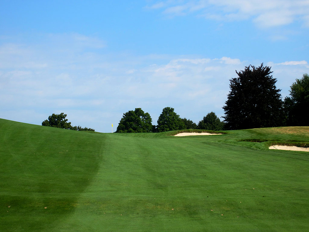 6th Hole at The Country Club (Brookline) (334 Yard Par 4)