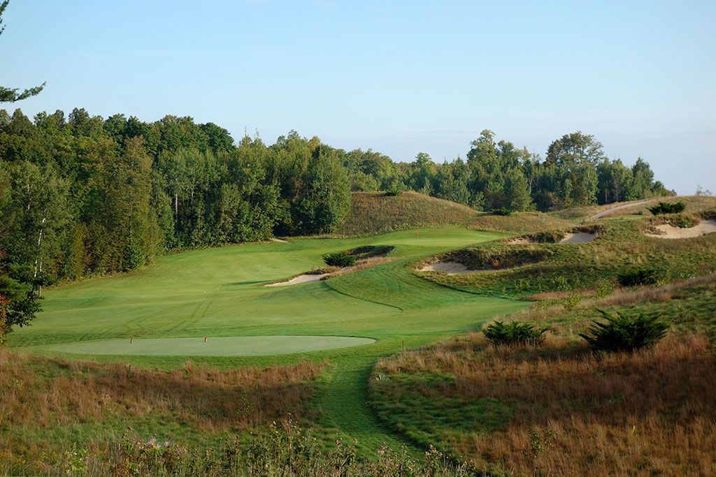 8th Hole at Kingsley Club (360 Yard Par 4)