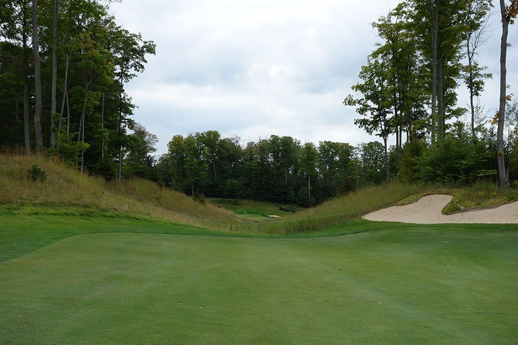 18th Hole at True North Golf Club (562 Yard Par 5)