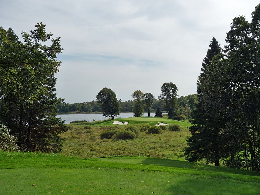 17th Hole at Deacons Lodge (200 Yard Par 3)