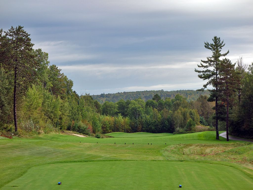 12th Hole at Giants Ridge (The Quarry) (486 Yard Par 4)