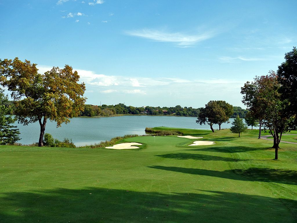 10th Hole at Hazeltine National Golf Club (424 Yard Par 4)