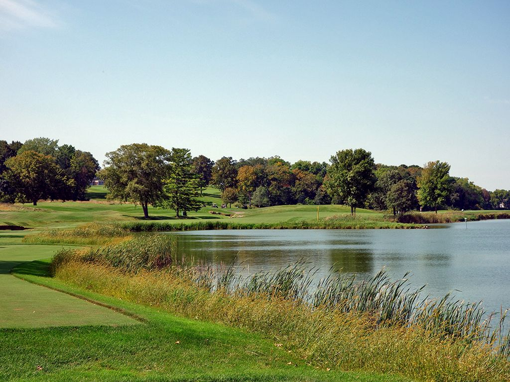 16th Hole at Hazeltine National Golf Club (402 Yard Par 4)