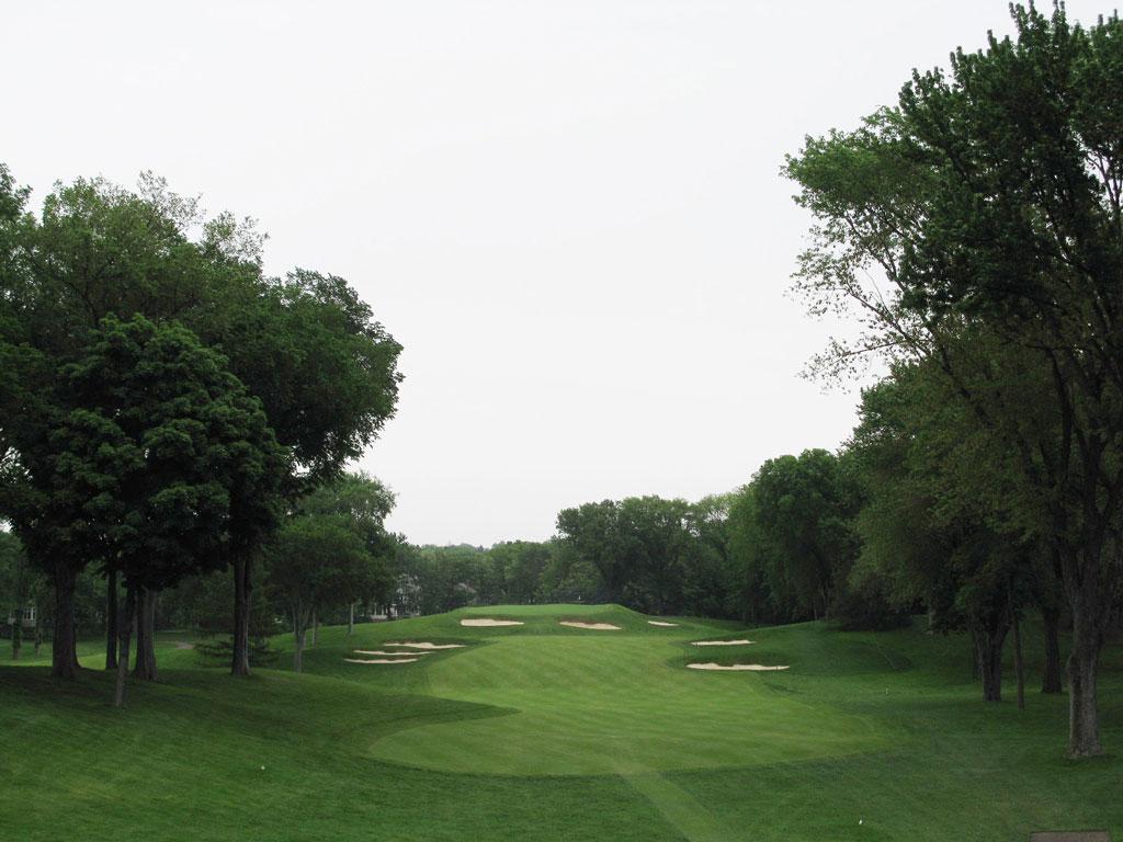 10th Hole at Interlachen Country Club (347 Yard Par 4)