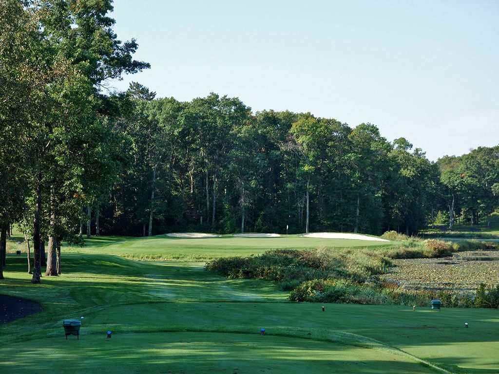 7th Hole at Maddens Resort (The Classic) (214 Yard Par 3)