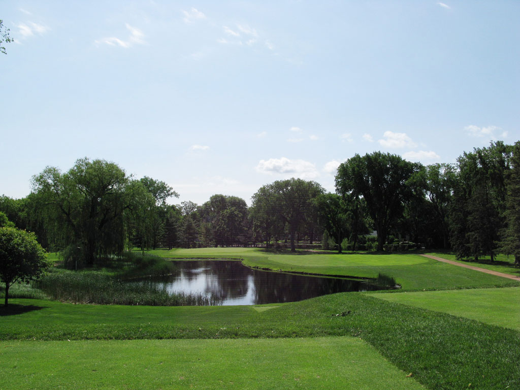 6th Hole at Minikahda Club (191 Yard Par 3)