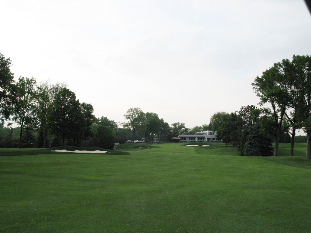 18th Hole at Minneapolis Golf Club (454 Yard Par 4)
