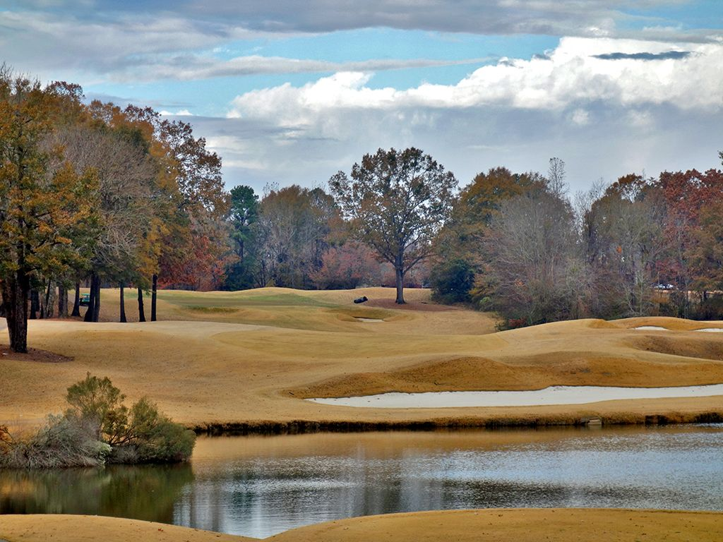 16th Hole at Old Waverly Golf Club (422 Yard Par 4)