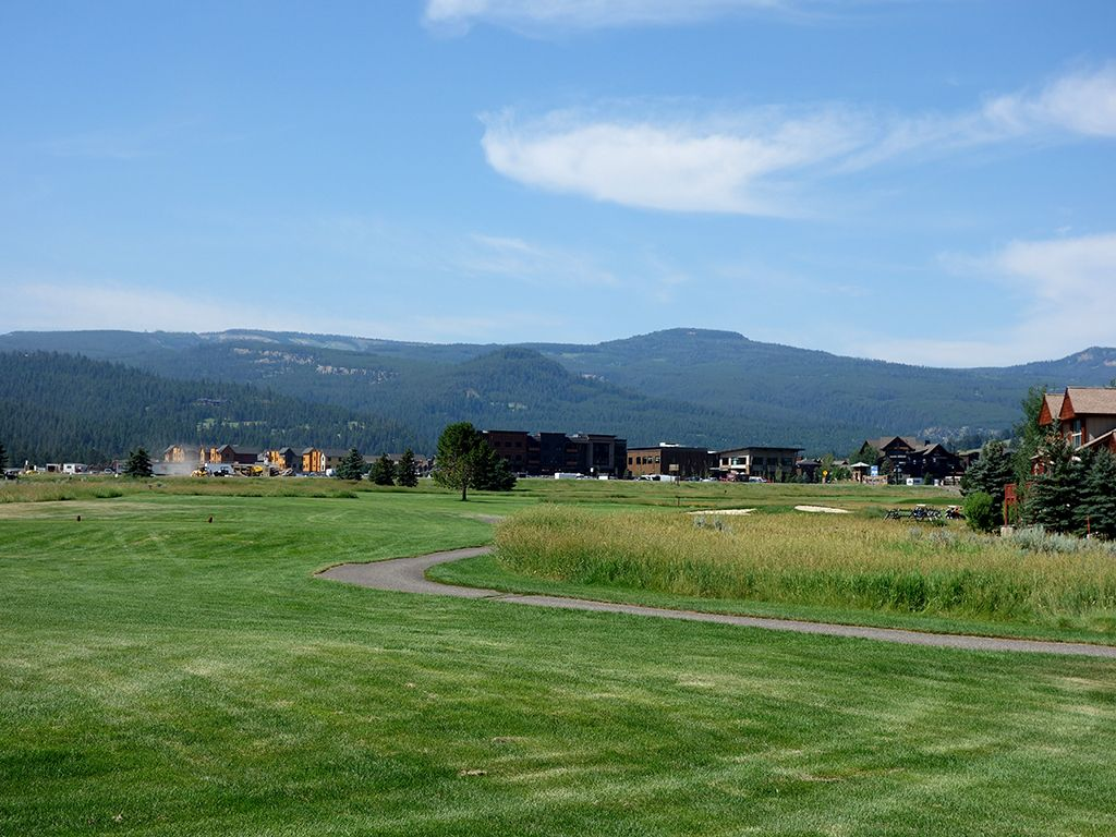 10th Hole at Big Sky Resort (436 Yard Par 4)
