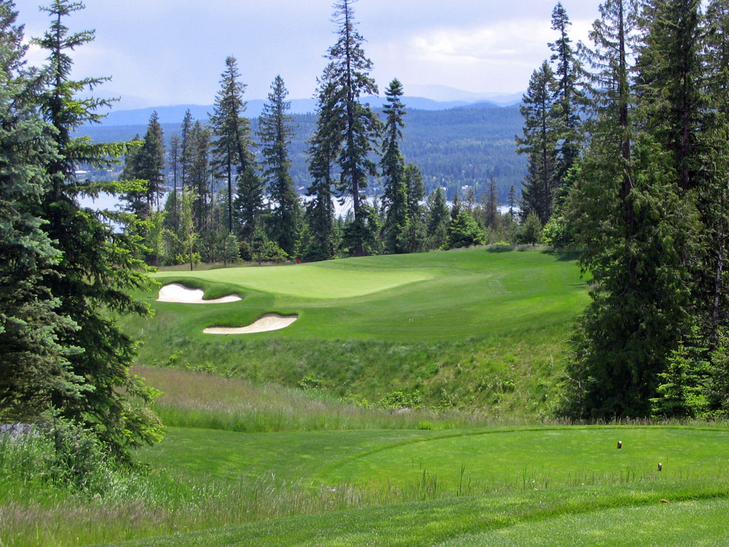 16th Hole at Iron Horse Golf Club (229 Yard Par 3)