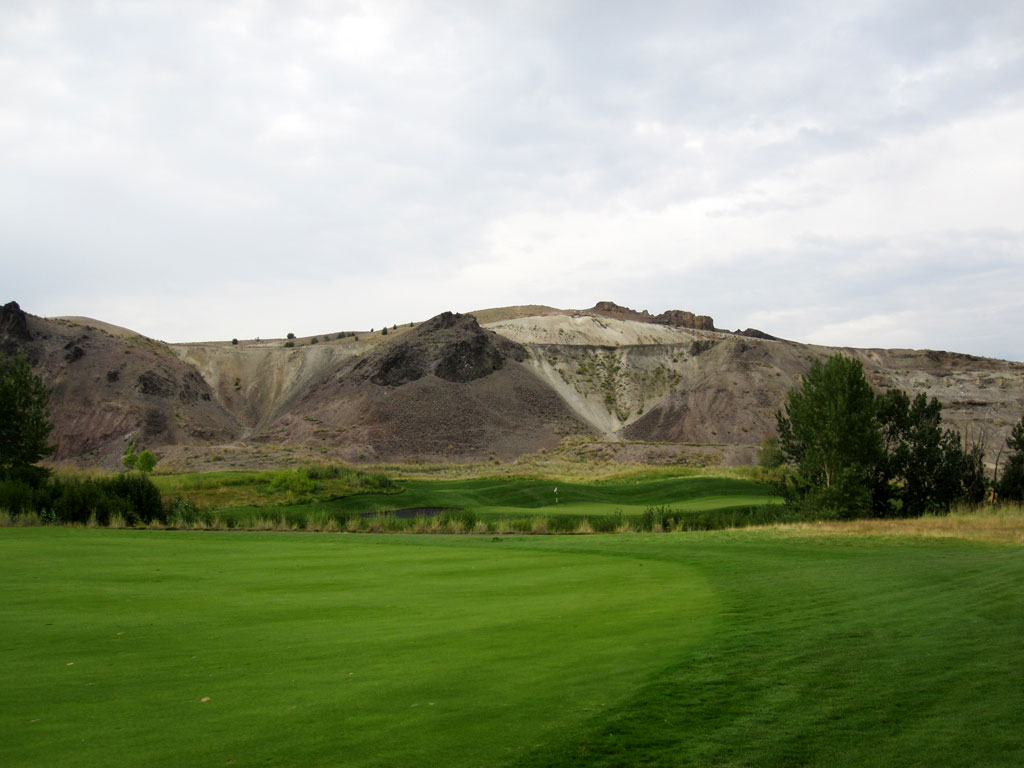 11th Hole at Old Works Golf Course (597 Yard Par 5)