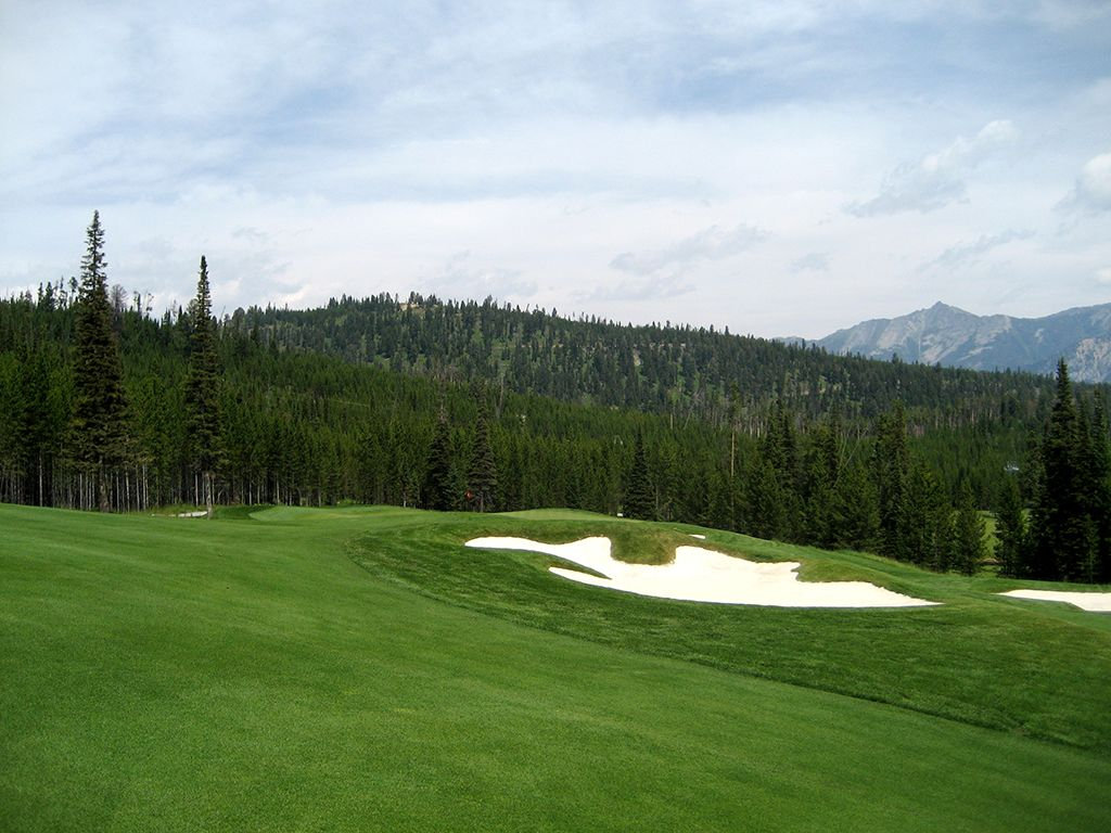 17th Hole at The Club at Spanish Peaks (349 Yard Par )