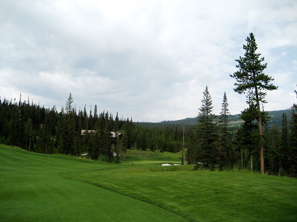5th Hole at The Club at Spanish Peaks (442 Yard Par 4)