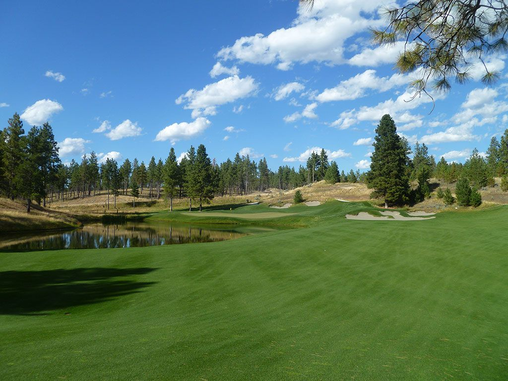 10th Hole at Wilderness Club (320 Yard Par 4)