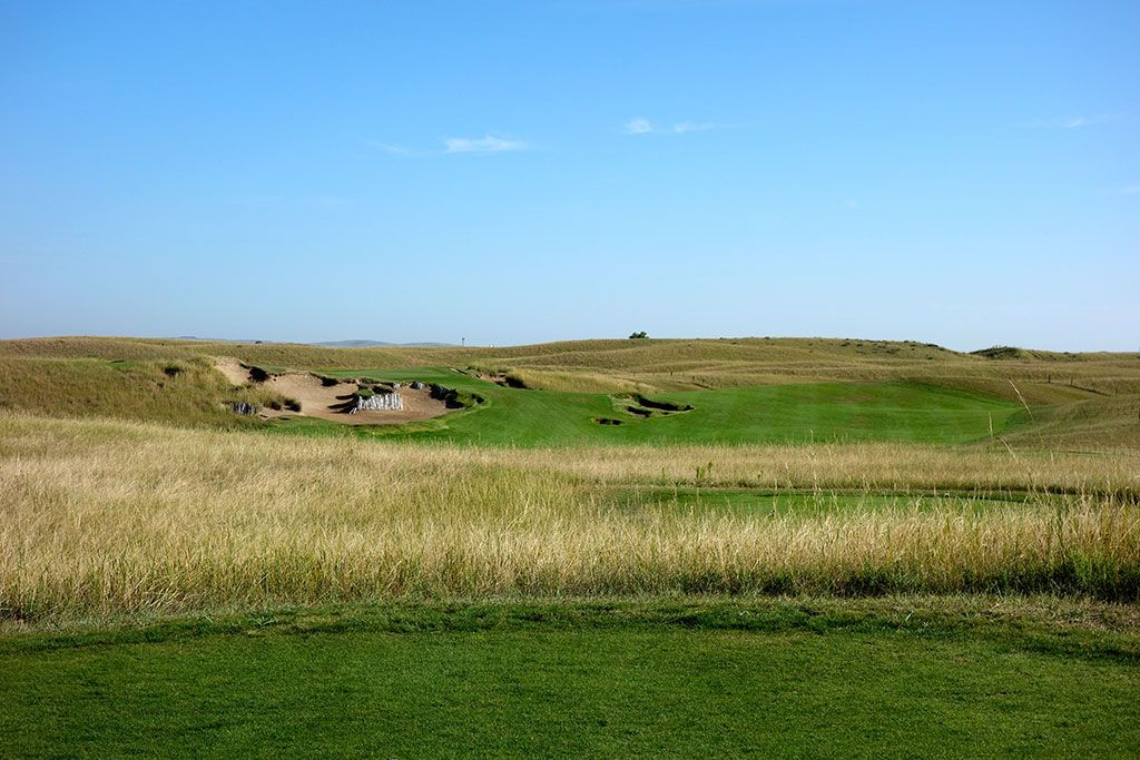 11th Hole at The Prairie Club (Dunes) (364 Yard Par 4)