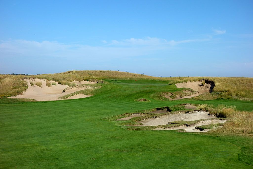 12th Hole at The Prairie Club (Dunes) (548 Yard Par 5)