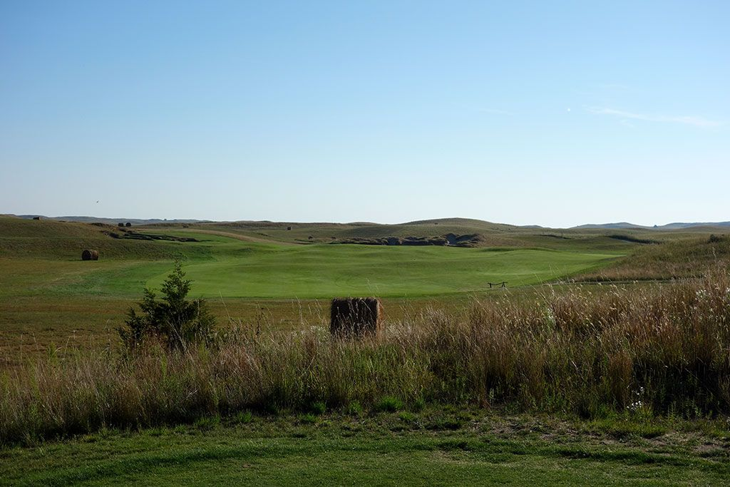 8th Hole at The Prairie Club (Dunes) (481 Yard Par 4)