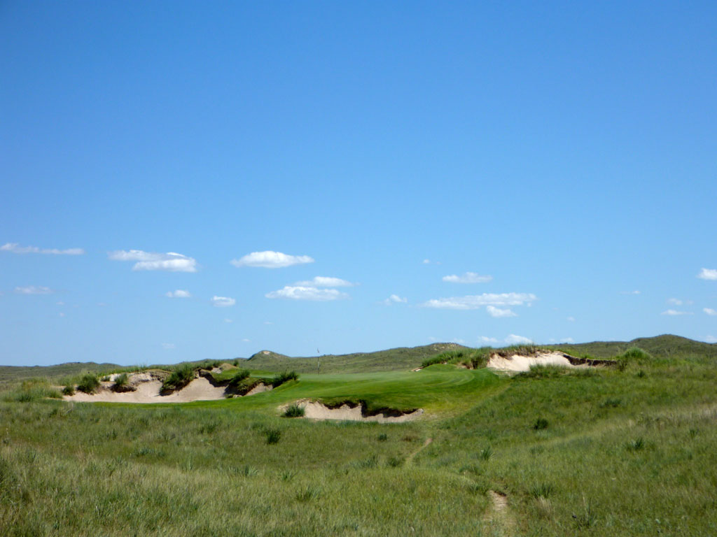 17th Hole at Sand Hills Golf Club (150 Yard Par 3)