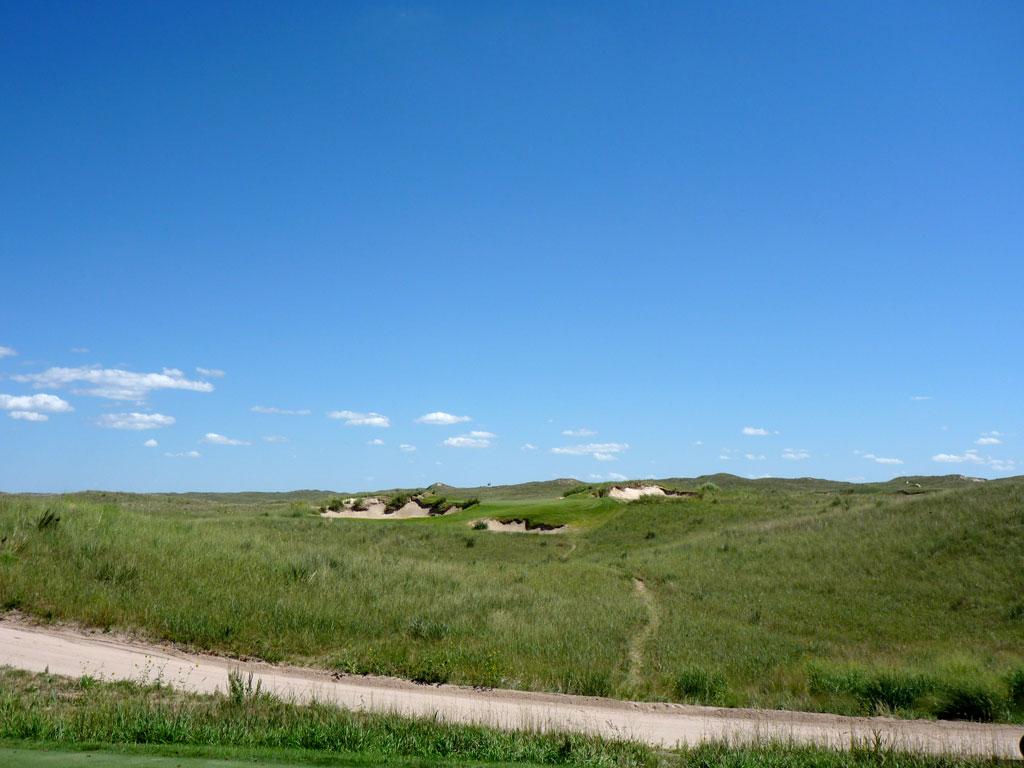 17th Hole at Sand Hills Golf Club (150 Yard Par 3)